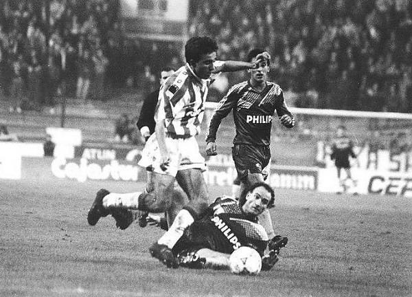 Juanele_contra_el_Steaua_en_El_Molin_n.jpg
