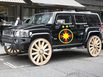 hummer-wooden-wheels
