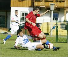 Victoras Iacob in duel cu fundasii sloveni