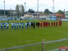 Cele doua echipe la startul meciului.